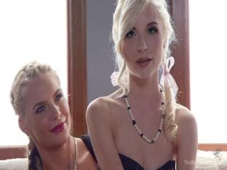 Порно видео инцест мамы, дочери в возрасте на диване дома